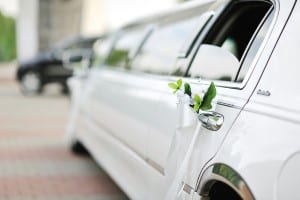 How to Hire a Limo for Your Wedding